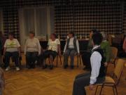 Az előadást követően Sabjánné Kovács Zsanett gyógytornász írányításával változókorban végezhető tornán próbálhattuk ki magunkat